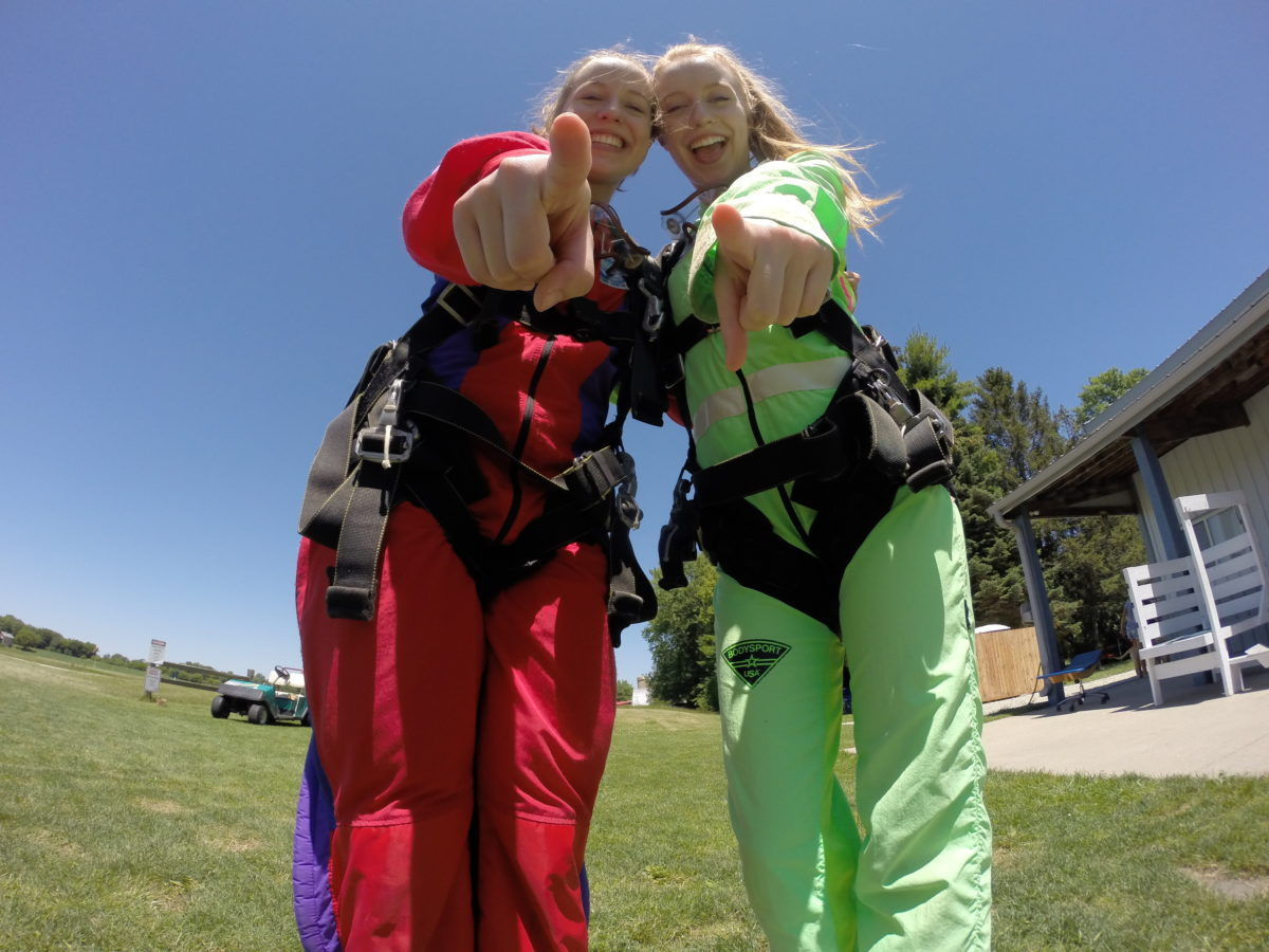 Don't wear jewelry, skirts, jeans, dresses, or flip flops while skydiving at Wisconsin Skydiving Center near Milwaukee
