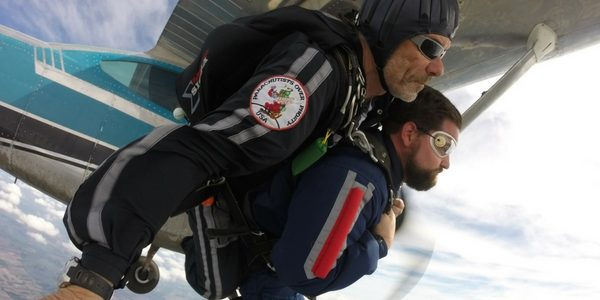 bo babovic jumps with tandem student