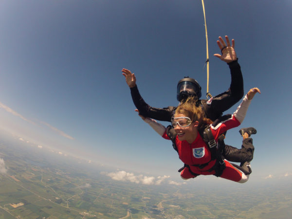tandem student experiences mental benefits of skydiving first time